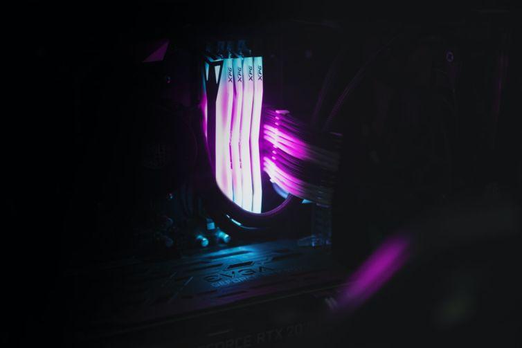Memorias RAM iluminadas
